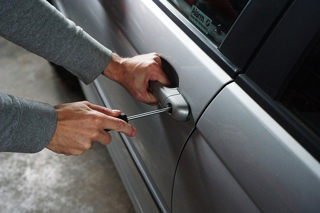 Localizzare l'auto rubata